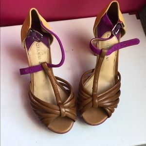 Vibrant colorful sexy Gianni Bini sandals!